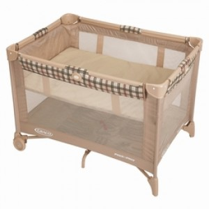 Portable Mesh Crib with Bassinet